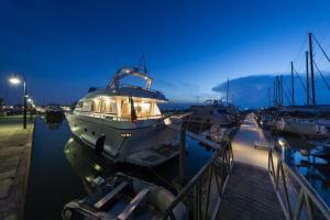 Just Holidays Yacht - Isola della Certosa