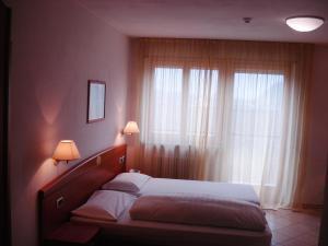 Hotel Goldenhof, Szállodák  Ora/Auer - big - 3