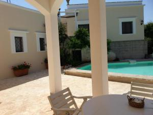 Casal del Borgo, an old farmhouse surrounded by greenery and a few steps from the village., Ferienhäuser  Ostuni - big - 5