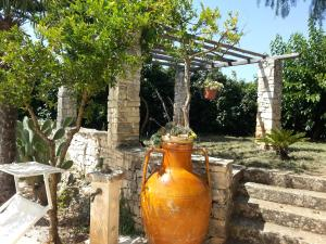 Casal del Borgo, an old farmhouse surrounded by greenery and a few steps from the village., Ferienhäuser  Ostuni - big - 21
