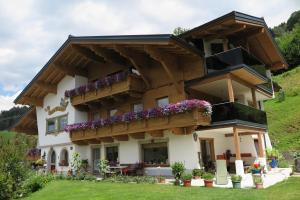 Haus Enzian - Apartment - St Johann im Pongau