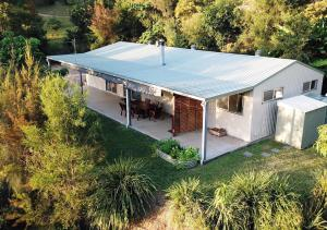 Best of Both Worlds Family Holiday Home - Maroochy River
