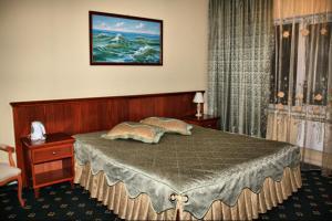 Kedr Hotel - Nyakhyn'