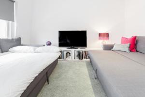 Creed   2 Bed   London Bridge Apartment   B