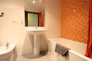 Av Carlemany, Centro comercial - Hotel - Les Escaldes