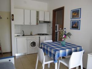 Appartamento Azalea, Ferienwohnungen  Grado - big - 25