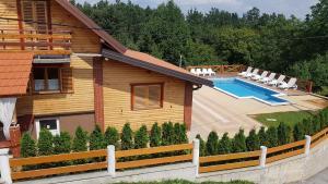 Chalet Villa Rebeka - Trošmarija