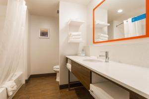 Hampton Inn Cumberland - Hotel