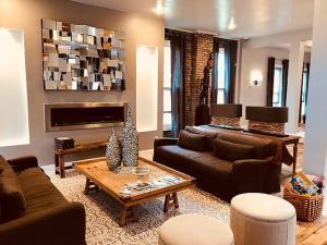 The Cochrane House Luxury Historic Inn - Accommodation - Detroit