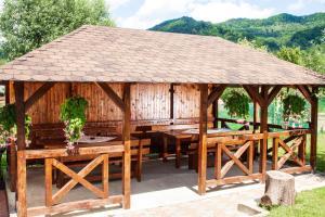 Rustic Argesean, Guest houses  Corbeni - big - 30