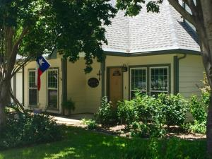Lucille's B&B - Accommodation - Garland