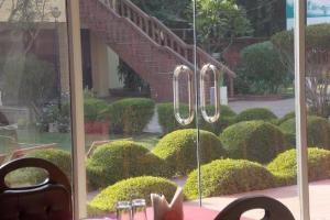 Auberges de jeunesse - 1 BR Guest house in Shahcoolie, Fatehpur Sikri (1C8C), by GuestHouser