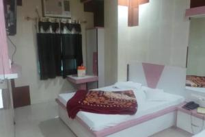 1 BR Guest house in Dargah bazar, Ajmer (D9BF), by GuestHouser