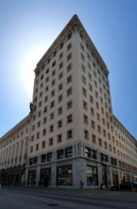 Lawyers Loft in Heritage Skyscraper