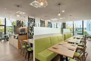 Super 8 by Wyndham Munich City North