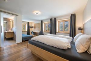Hotel Grimsel Passhöhe, Отели  Обервальд - big - 12