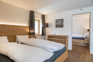 Hotel Grimsel Passhöhe, Отели  Обервальд - big - 59