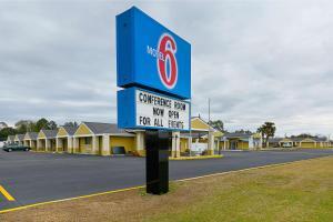 Motel 6 Entrerprise Al - Brundidge