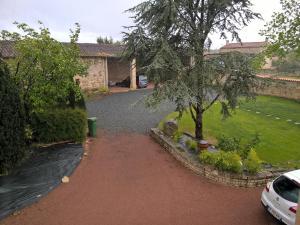 Entre Marais et Gatine, Отели типа «постель и завтрак»  Saint-Pompain - big - 13