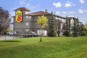 Super 8 by Wyndham Whitecourt, Hotel  Whitecourt - big - 1