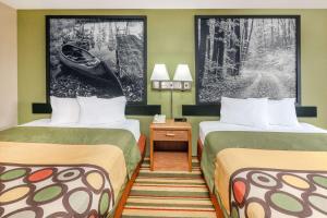 Super 8 by Wyndham Grayling, Hotels  Grayling - big - 23