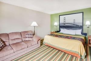 Super 8 by Wyndham Grayling, Hotels  Grayling - big - 35