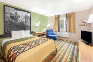 Super 8 by Wyndham Grayling, Hotels  Grayling - big - 13