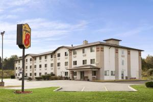 Super 8 by Wyndham Johnstown, Отели  Johnstown - big - 1
