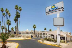 Days Inn by Wyndham Airport - Phoenix