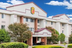 Super 8 by Wyndham State College - Accommodation