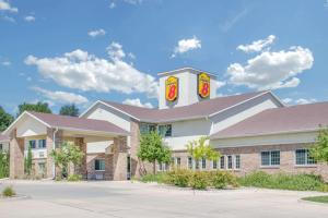 Super 8 by Wyndham Cedar Falls