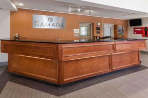 Ramada by Wyndham Canton/Hall of Fame, Hotels - Canton
