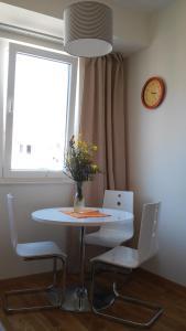 Natalija Twister Apartment, Apartmanok  Budva - big - 1