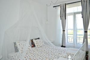 Flores Garden Beach Residence, Apartmány  Černomorec - big - 46