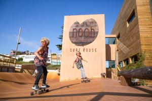 Noah Surf House Portugal - Santa Cruz