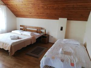 Rustic Argesean, Guest houses  Corbeni - big - 17