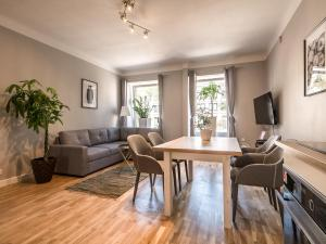 WHITE RESIDENCE 4rooms - CITY CENTER - Warsaw