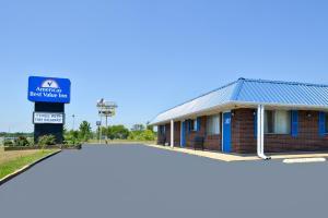 Americas Best Value Inn Sullivan - Accommodation
