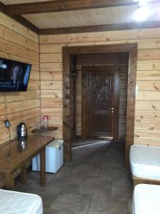Papa Karlo Guest House - Hotel - Goryachinsk