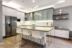 Stylish New 2bdr 2bthr apartment