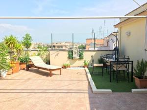 Appartamento con magnifico terrazzo vicino a Metropolitana e Vaticano - abcRoma.com