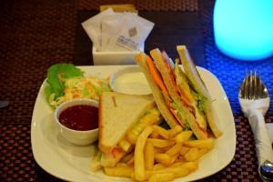 Nejoum Al Emarat, Hotel  Sharjah - big - 107