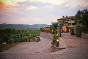 Sporting Hotel San Felice, Отели  Illasi - big - 44