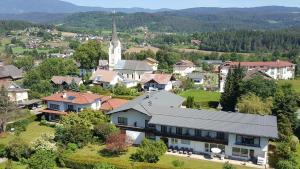Hotel Garni Landhaus Servus - Velden am Wörthersee