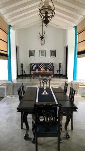 Thompson Manor (A Luxury Villa in Galle), Vily  Galle - big - 41