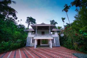 . Spacious 1BHK Home in Marayoor, Munnar