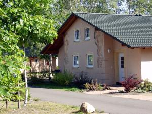 Ferienhäuser an der Skihalle Snowtropolis - Großräschen