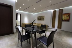 Q Suites Jeddah by EWA, Hotely  Džidda - big - 2