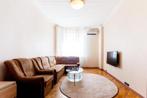 2 room Nice flat at Novinsky boulevard