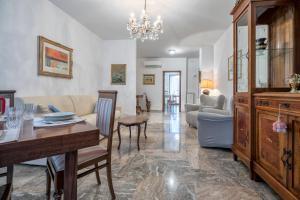 Einaudi Apartment - AbcAlberghi.com